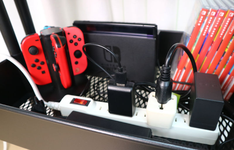 power cord in switch gaming cart
